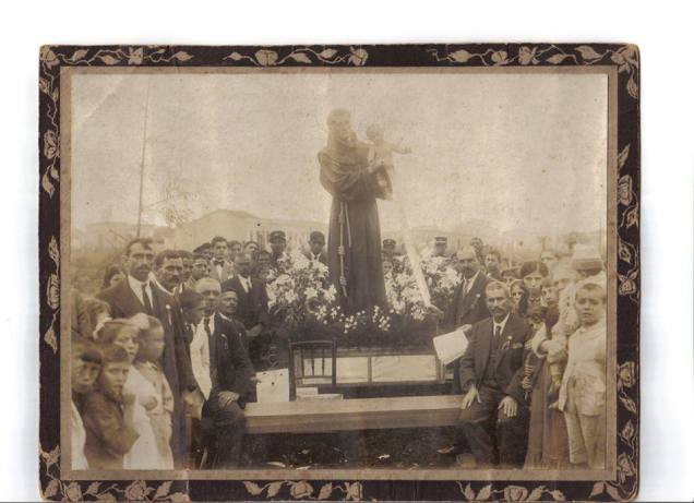 imagem antiga de santo antonio
