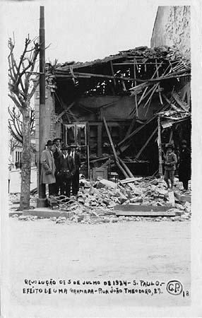 1924-postal-18-efeito-de-uma-granada-rua-joc3a3o-theodoro-22-gustavo-prugner-studium-unicamp