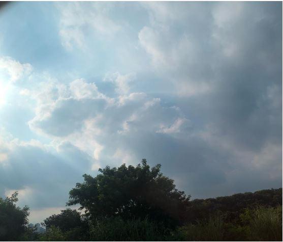 nuvens carregando